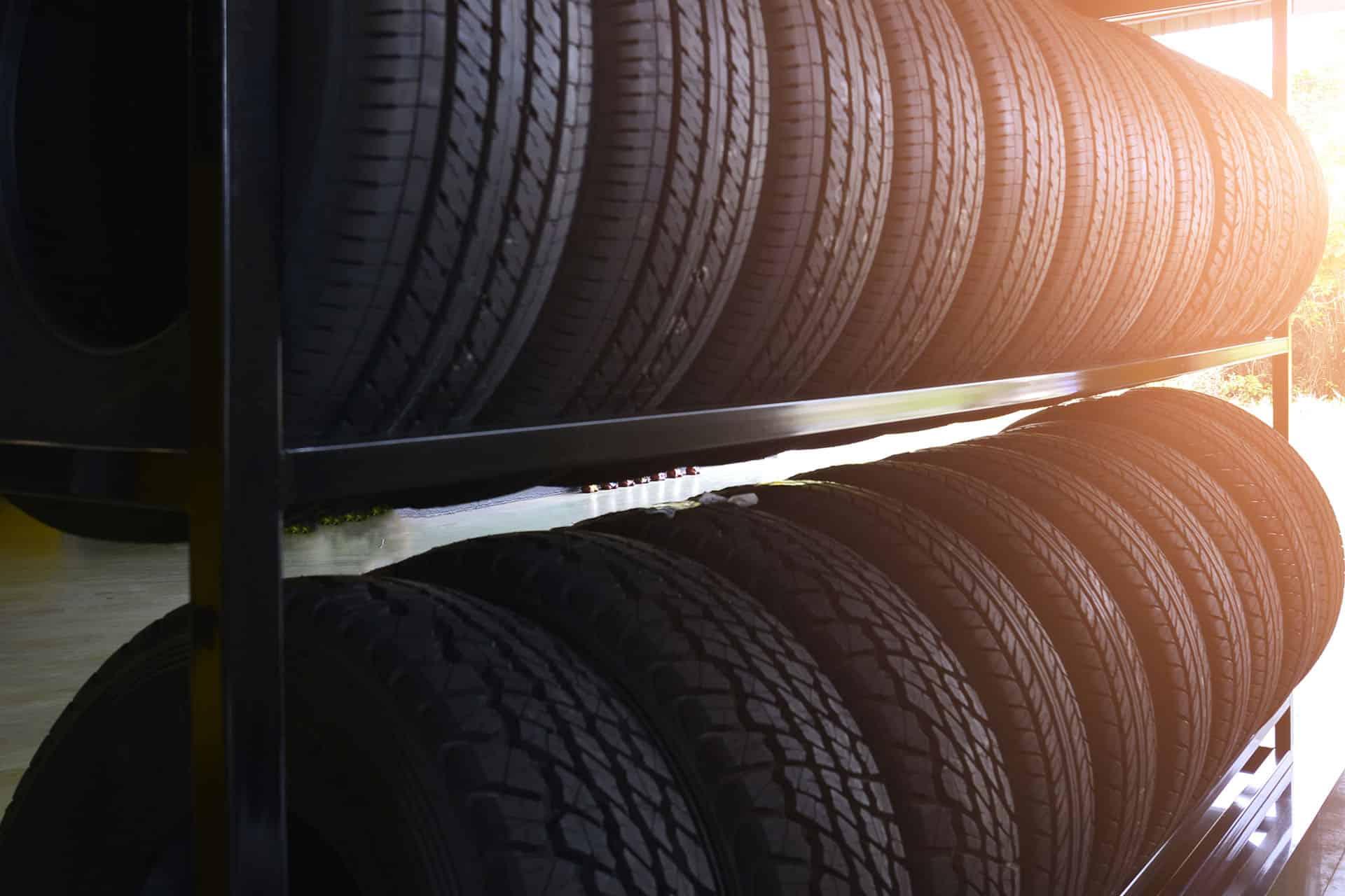 officina, gommista con deposito pneumatici, auto sostitutiva